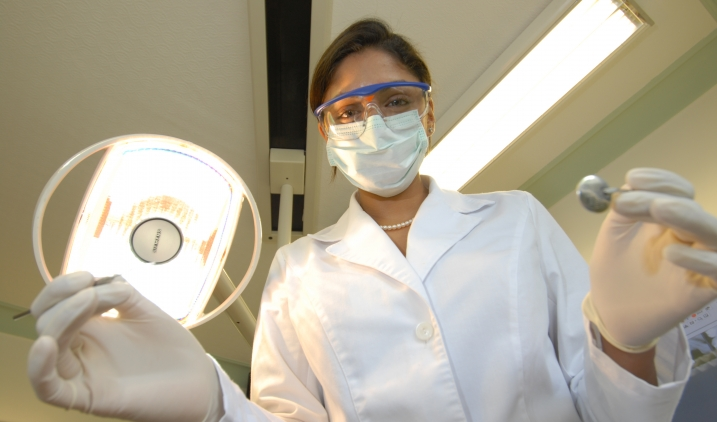 Choose A Reliable Dental Care To Treat Your Teeth